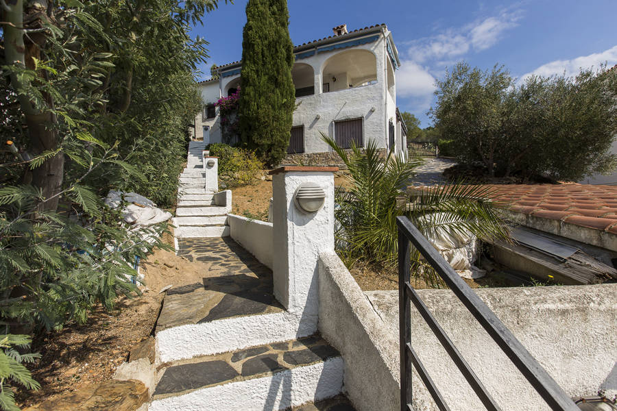 Roses, house for sale in Mas Fumats (Roses) with sea views