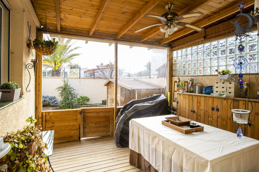 Renovated house near the beach situated in empuriabrava