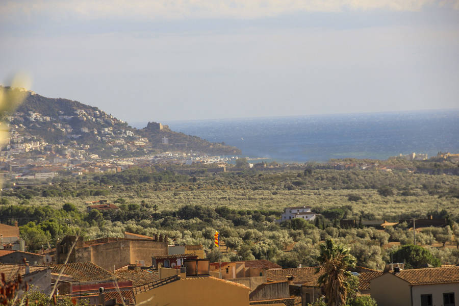 Plot for sale with sea views in Palau Saverdera, Costa Brava